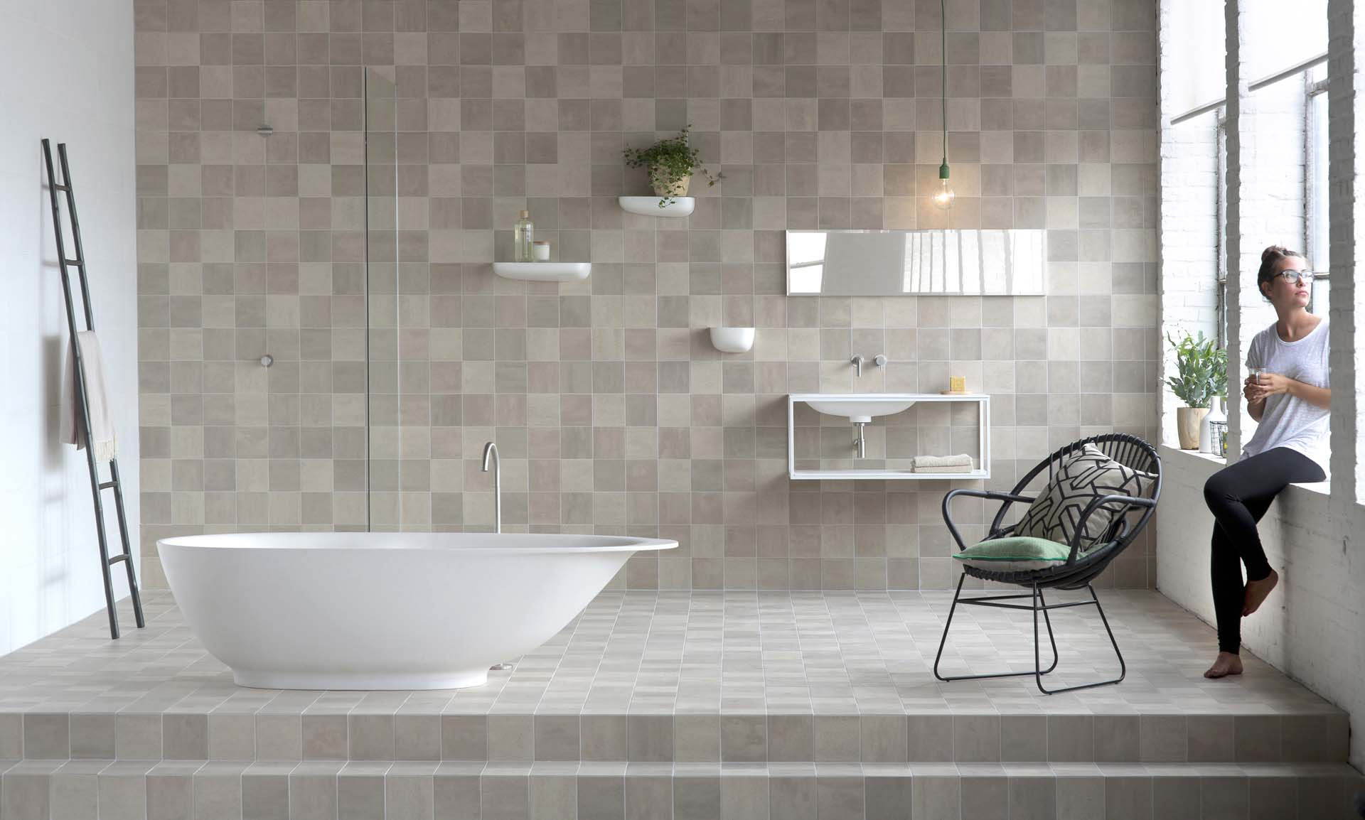 Badkamer betegelen uw douche laten tegelen van doesburg - Opnieuw zijn toilet ...