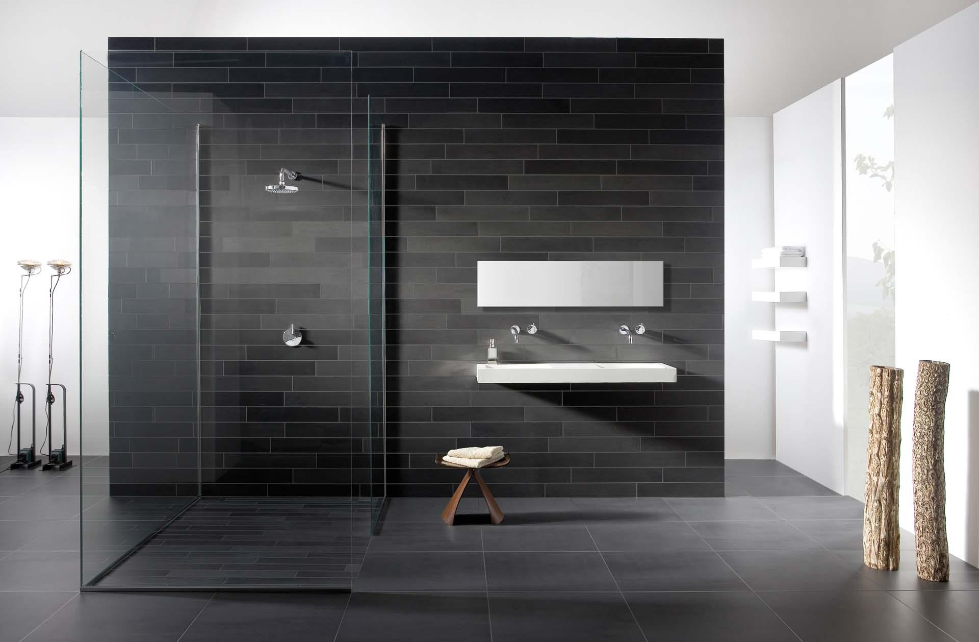 Badkamer betegelen uw douche laten tegelen van doesburg - Moderne betegelde vloer ...